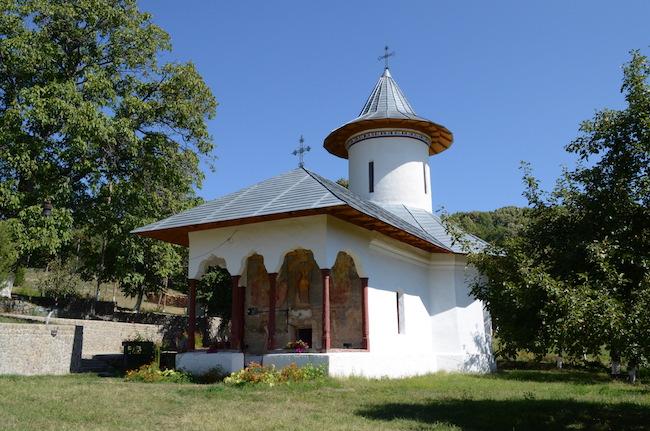Mănăstirea Cârnu